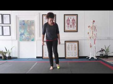 Foot pain series - tennis ball stretch and top of foot stretch